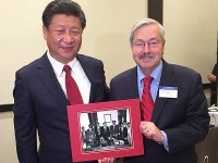 Branstad meets with Chinese leader
